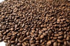 De geroosterde Bonen van de Koffie Stock Afbeeldingen