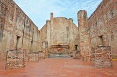 De geruïneerde oude tempel bouwt van baksteen Stock Foto