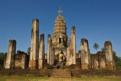 De geruïneerde tempel van Boedha in Si Ratana Mahaphat, Si Satchanalai, Thailand van watphra Royalty-vrije Stock Afbeeldingen