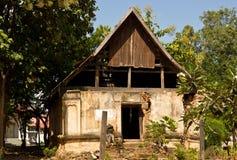 De geruïneerde tempel van Boedha in Uttaradit-provincie, Thailand Royalty-vrije Stock Afbeeldingen