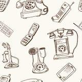 De geschiedenis van telefoons overhandigt getrokken krabbel naadloos patroon schetsen Vectorillustratie voor ontwerp en pakketten vector illustratie