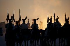 De geschiedenisfan in militair kostuum stelt de Slag van Drie Keizers weer in Royalty-vrije Stock Fotografie