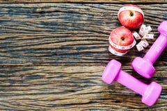 De geschiktheid, gezond het eten actief levensstijlenconcept, doorboort stom Stock Afbeeldingen