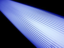 De geschilderde plafond fluorescente lampen. stock fotografie