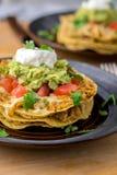 De gestapelde close-up van de tostadaschotel Royalty-vrije Stock Foto