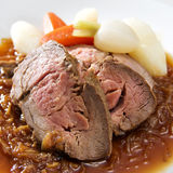 De gestroopte Filet van het Kalfsvlees met saus Lyonnaise stock fotografie