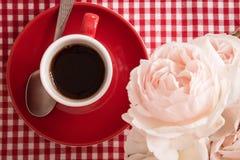 De geur van de ochtend: koffie en bloemen, detail Stock Foto's