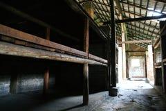 De gevangenisbarakken van Auschwitz Stock Afbeeldingen