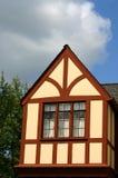 De geveltop van Tudor Stock Foto's