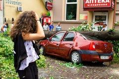 De gevolgen van de orkaan in Uzhgorod Royalty-vrije Stock Afbeeldingen