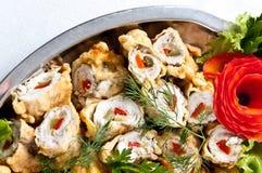 De gevulde schotel van vissenbroodjes Royalty-vrije Stock Afbeeldingen
