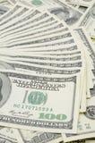 De gewaaide uit V.S. honderd dollarsrekeningen Stock Foto