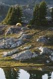 De geworpen Tent van de Oever van het meer Royalty-vrije Stock Foto