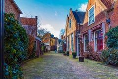 De gezellig ouderwetse Steeg van Haarlem Royalty-vrije Stock Afbeeldingen