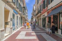 De gezellig ouderwetse straten van Mahon in Spanje royalty-vrije stock afbeelding