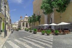 De gezellig ouderwetse straten van Mahon in Spanje Stock Foto