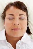De gezichtsbehandeling van de Schoonheidsacupunctuur stock afbeelding