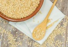 De gezonde ongepelde rijst stock foto