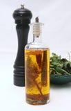 De gezonde salade van de olie en van de peper stock afbeeldingen