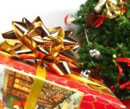 De gift van Kerstmis op witte achtergrond Royalty-vrije Stock Afbeelding