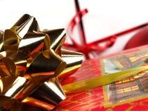De gift van Kerstmis op witte achtergrond Royalty-vrije Stock Afbeeldingen