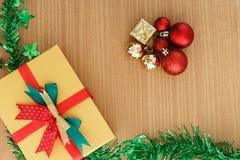 De giftdoos van de Kerstmisdag stock afbeelding