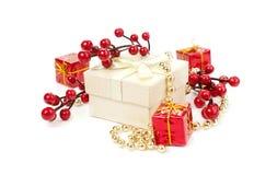De giften en de decoratie van Kerstmis Stock Fotografie