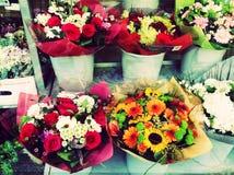 De Giften van de de Straatdecoratie van bloemenvitrine Royalty-vrije Stock Afbeeldingen