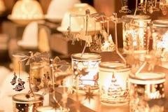 De giften van Kerstmis De roterende spinnende houders van de carrouselkaars Royalty-vrije Stock Fotografie
