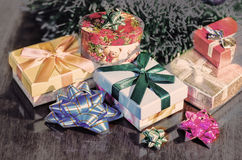 De Giften van Kerstmis onder Boom De illustratie van de vakantie Royalty-vrije Stock Fotografie