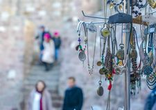 De giften zijn verkoop in het Kasteel van Ankara dat een toeristisch pictogram voor Ankara is stock afbeeldingen