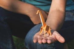 De giraf van de origami stock foto's