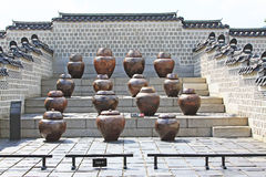 De Gistingskruiken in Gyeongbokgung-Paleis royalty-vrije stock foto's
