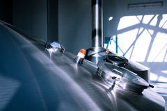 De gistingstank in de brouwerij Stock Afbeelding