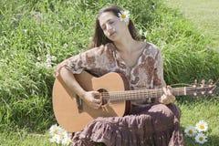 De gitaarspeler van de hippie Stock Foto's