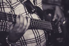 De Gitarist royalty-vrije stock afbeeldingen