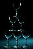 De glazen aranged in pyramidevorm Royalty-vrije Stock Afbeeldingen