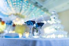 De glazen van de huwelijkschampagne Stock Foto's