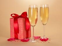 De glazen van de wijn met champagne Royalty-vrije Stock Fotografie