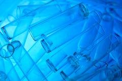 De glazen van het laboratorium Stock Afbeeldingen