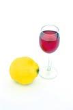 De glazen van wijn en kweepeer Royalty-vrije Stock Afbeelding
