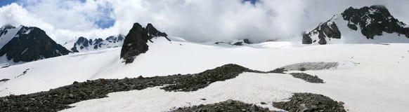 De gletsjer Toktogul en de Grote Gletsjer ala-Archa Stock Afbeelding