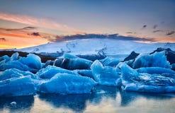 De Gletsjer & de Zonsondergang van IJsland Royalty-vrije Stock Afbeelding