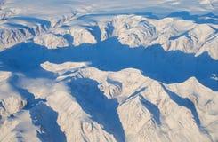 De gletsjers en de bergen van Groenland, mening van een vliegtuig royalty-vrije stock foto's