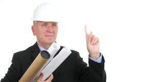 De glimlach van de ingenieursarchitect en maakt geen hand in een bedrijfsgesprek ondertekenen stock video