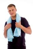 De glimlachende handdoek van de mensenholding Stock Afbeelding