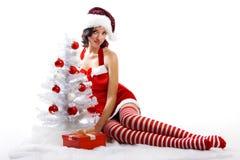 De glimlachende vrouw van Kerstmis Stock Afbeeldingen
