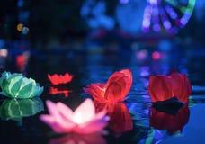 De gloeiende lantaarns op wat royalty-vrije stock foto