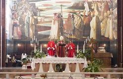 De godsdienstige dienst in de Kerk van de Aankondiging Stock Foto