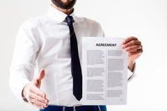 De goede overeenkomst gaat worden ondertekend Stock Fotografie